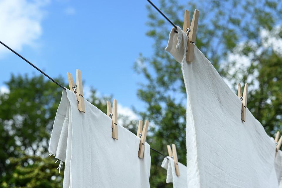 Como lavar roupa branca na máquina?