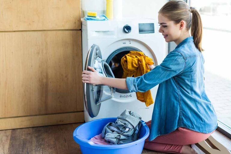 Como lavar roupa na máquina?